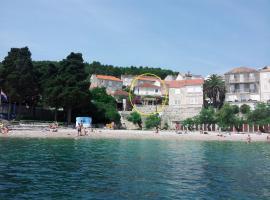 Apartments Mir - perfect location, pet-friendly hotel in Korčula