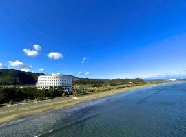 ANA Holiday Inn Resort Miyazaki, an IHG Hotel, hotel in Miyazaki