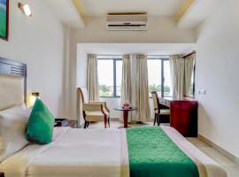Hotel Luciya, hotel near Centre Square Mall, Cochin