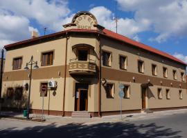 Turistická ubytovňa BUCK, hotel in Tornaľa