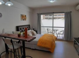 Depto en excelente zona de Recoleta, apartamento em Buenos Aires