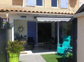 Villa à 500m de la plage, piscine, clim, WIFI, parking, hôtel  près de: Aéroport de Béziers - Cap d'Agde - BZR