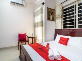 RedDoorz near Bau Cat Park, hotel near Giac Lam Pagoda, Ho Chi Minh City