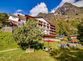 Summit Khangri Karpo Retreat and Spa, family hotel in Lachung