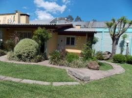 Casa para 5 pessoas em Canela - Caracol, hotel near Cascata do Caracol, Canela
