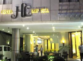 Hotel Lorenza, hotel in Tacloban