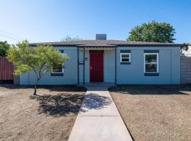Cozy 2BR Home in Central Phoenix by WanderJaunt, B&B in Phoenix