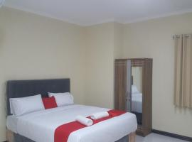 New Kostel wood 7296, guest house in Semarang