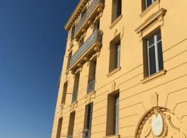 Beau 3 pieces proche centre, pet-friendly hotel in Menton