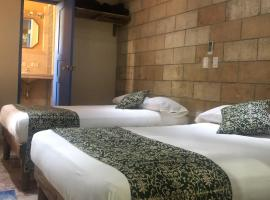 Hostal Twins, bed & breakfast a Trinidad