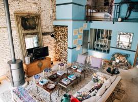 Chais Rhéthais au Volume Exceptionel Coeur de Village, villa in Le Bois-Plage-en-Ré