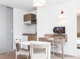 Terres de France - Appart'Hotel Quimper Bretagne, hôtel à Quimper
