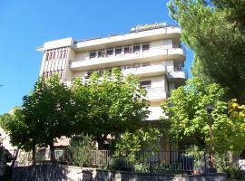 Hotel Villa Edelweiss, hotel in Chianciano Terme
