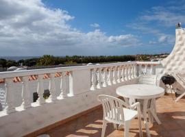 Seaviews from the big balcony, parking and wifi – apartament w mieście Costa Calma