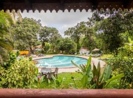 Hotel Bougainvillea Granpa's Inn, hotel near Britto's, Anjuna