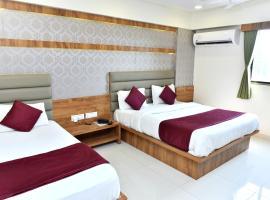 Hotel Royal King by Sky Stays, отель в Ахмадабаде