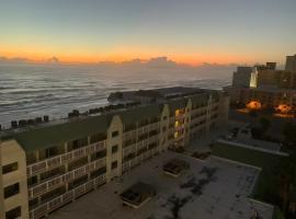 Sea View Apt Building On Daytona Beach, hotel near Daytona International Speedway, Daytona Beach