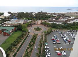 Accommodation Front - Tastefully Furnished 6 Sleeper with Ocean Views, apartment in Durban