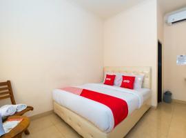 OYO 1492 Rupaqa Hotel, Hotel in Mataram