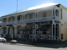 HarbourView Hotel, hotel in Raglan