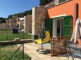 La Casa del Mare : cozy apartment with seaview and garden, hotel in Ventimiglia