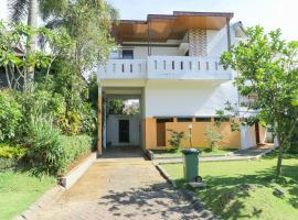 Batu Villa & Residence By Pinky, homestay in Batu