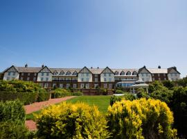 Carden Park Hotel, Golf Resort and Spa, hotel in Tilston