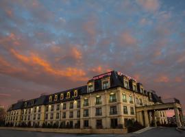 Hotel Brossard, hotel near Montréal/St-Hubert Airport - YHU, Brossard