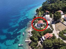 Apartments by the sea Lumbarda, Korcula - 4446, hotel in Lumbarda