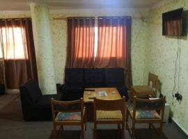 Convenience Hostel, hotel in Wadi Musa