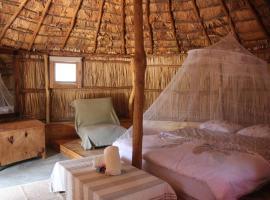 La Case, un espace qui invite à l'essentiel !, hotel near Cascade Boaméssiara, Bouloupari