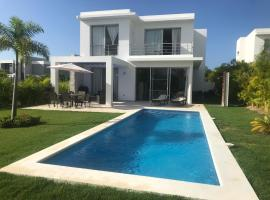 Villa Real Playa Nueva Romana, spa hotel in La Romana