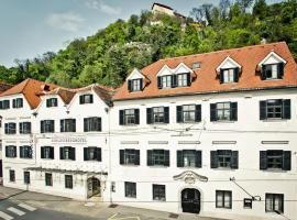 Schlossberghotel - Das Kunsthotel, hotel in Graz