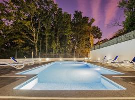 Villa Amour a luxury villa in Imotski, private pool, hotel in Imotski