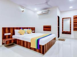 Treebo Trip Vijay Inn, hotel near Bombay Exhibition Centre, Mumbai
