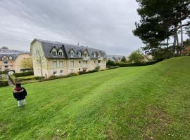 Vallon 3 pièces avec balcon, apartment in Trouville-sur-Mer