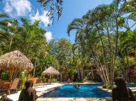 Fuego Lodge, hotel in Santa Teresa Beach