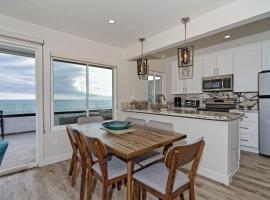 Ocean Villas Beach Front, serviced apartment in Carlsbad