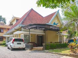 RedDoorz Plus near Brawijaya Museum, hotel near Brawijaya Museum, Malang