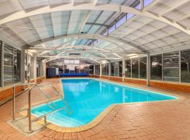 Amblin Holiday Park, hotel in Busselton