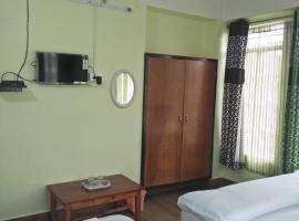 Travenjo Cherry Blossom Inn, hotel in Shillong