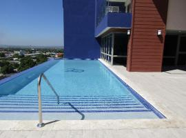 Luxury @ 20 South Ave, luxury hotel in Kingston