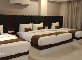 Hotel Seven Sky, room in Nashik