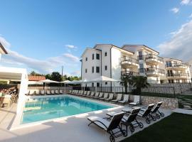 Cool Šilo Appartement Resort, luxury hotel in Šilo