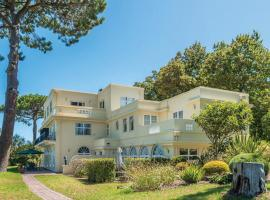 Helderview Hotel and Suites, hotel in Somerset West