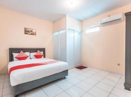 OYO 1868 J&b Room Pramuka Near RSUPN Dr.Cipto Mangunkusumo, hotel near Jatinegara Train Station, Jakarta