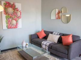 Modern Penthouse Apartment. City Center. 11.1, apartment in Cape Town