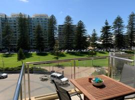 Luxury Beachside Accomodation, hotel near Glenelg Marina, Glenelg