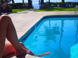 Lahaina Shores Beach Resort, a Destination by Hyatt Residence, hotel v destinaci Lahaina