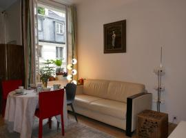 Appartment near Louvre, central, vacation rental in Paris